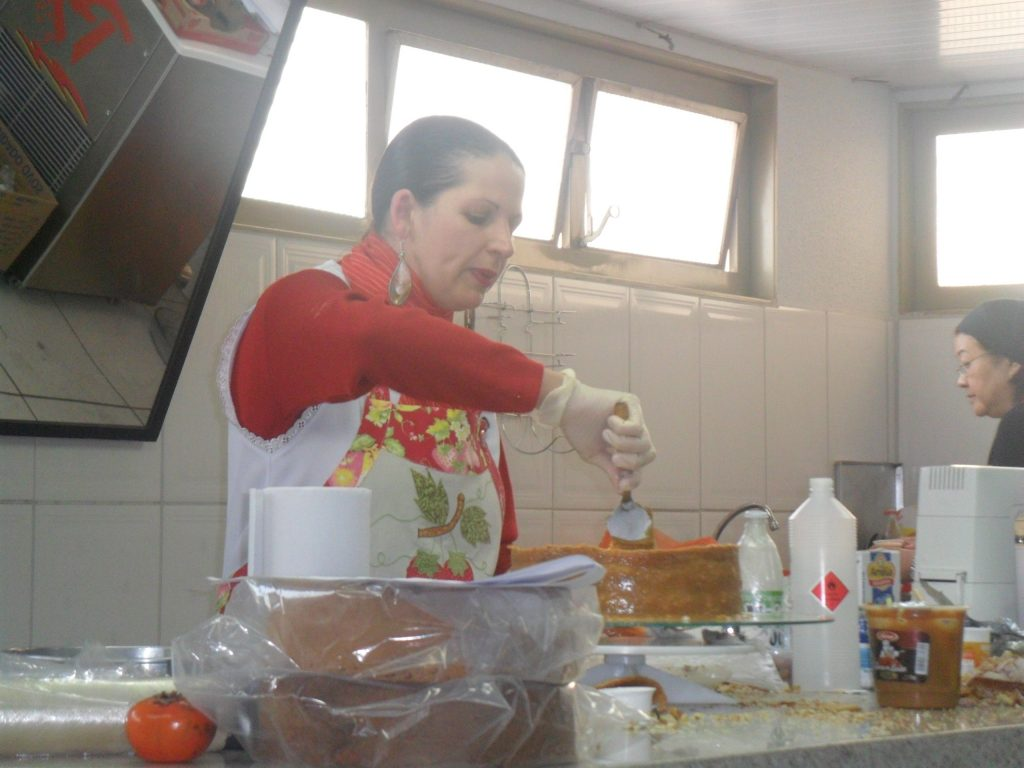 Bolos aos leites com Pasta de Leite Ninho com Isamara Amãncio
